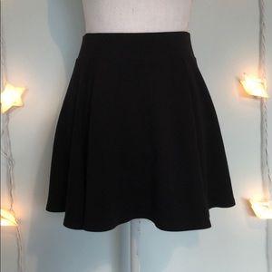 ⚫️ Black Skirt ⚫️